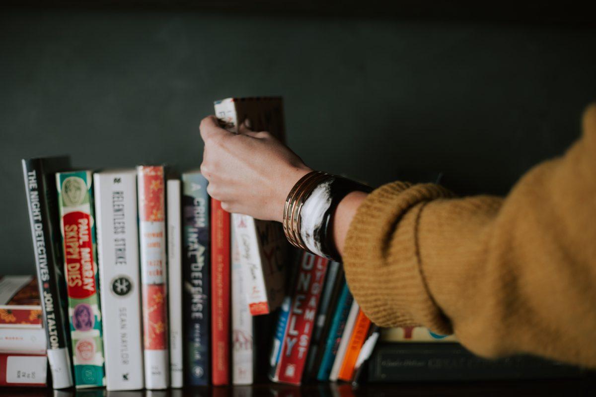 V březnové karanténě s knihou! Víte, že když čteme, dějí se v mozku fajn věci?
