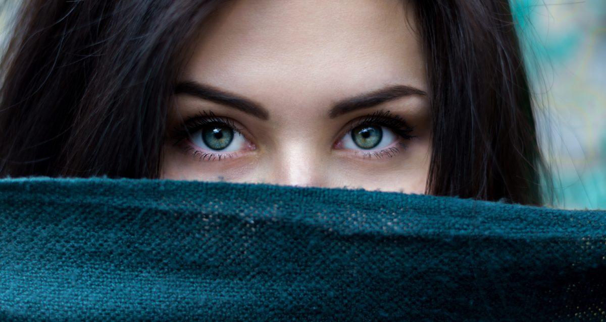 Barva očí může mít vliv na zimní depresi? Jaké máte vy?